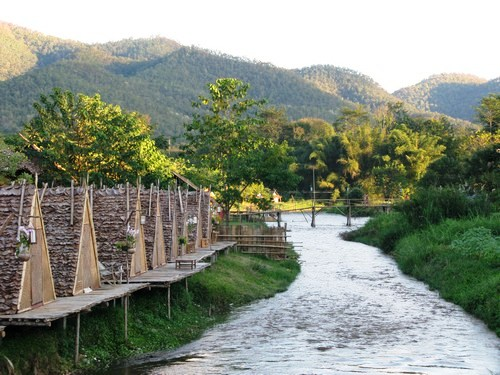 Pai, accommodation on the river